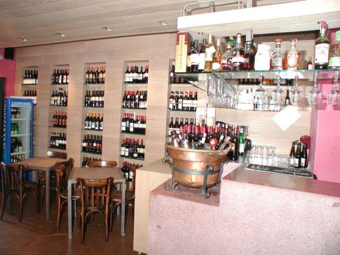 Arredamento pub enoteche e wine bar for Arredamento wine bar