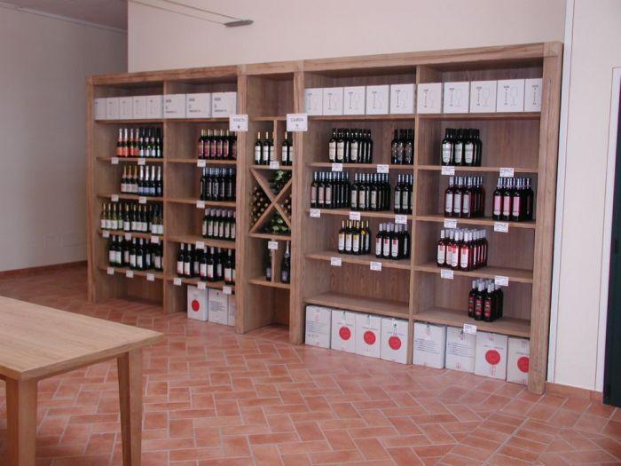Arredamento pub enoteche e wine bar for Idee per arredare enoteca