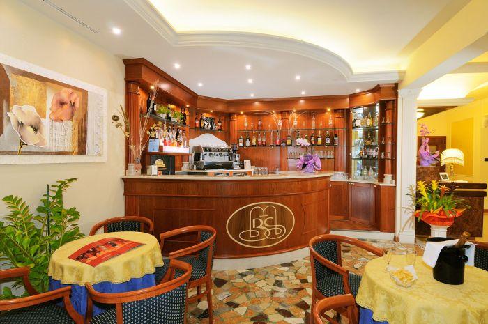 Arredamento per alberghi a brescia non solo camere for Subito brescia arredamento