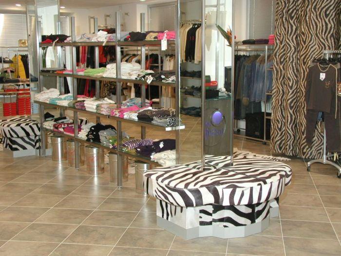 Arredo per negozi d 39 abbigliamento a brescia for Arredamento negozi brescia