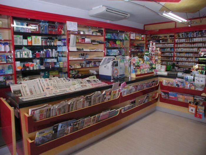 Arredamento per negozi a brescia l 39 esperienza for Giornali di arredamento